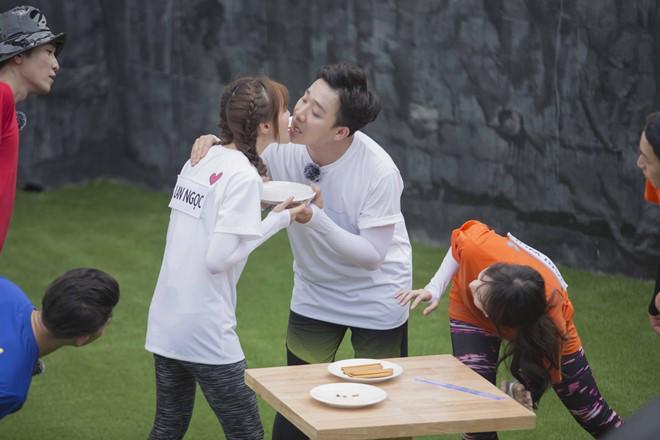 Hari Won bị Trấn Thành 'đánh' vì dằn mặt người tình màn ảnh của anh 1