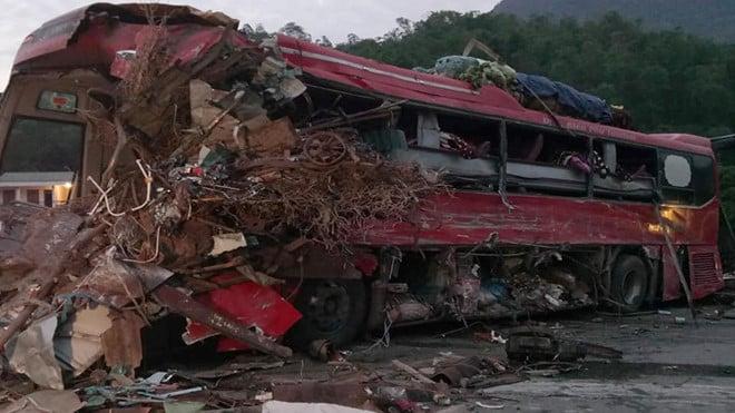 Vụ tai nạn khiến 3 người chết ở Hòa Bình: Phó Thủ tướng chỉ đạo khẩn 1