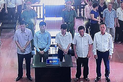 Vụ án chạy thận: Hoàng Công Lương được giảm án còn 30 tháng tù giam 2