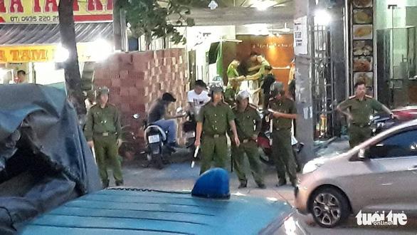 Khám nhà, công ty chủ doanh nghiệp kêu giang hồ vây xe công an ở Đồng Nai 1
