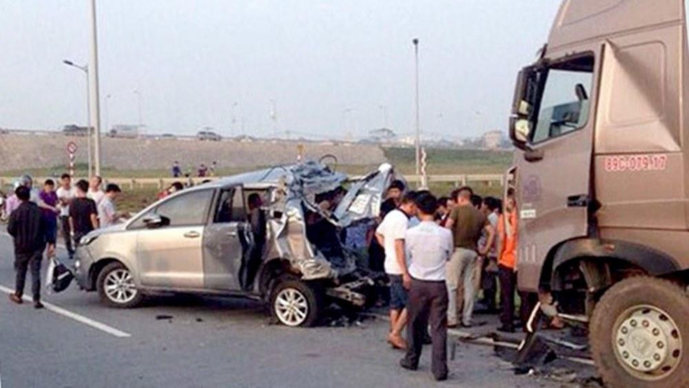Vụ xe Innova đi lùi trên cao tốc: Gia đình tài xế container gửi đơn cầu cứu tới Thủ tướng 1