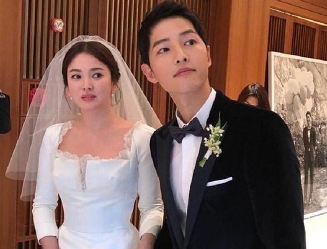 Song Joong Ki bị tố thuê người cố tình bôi nhọ Song Hye Kyo trên mạng Trung Quốc 3