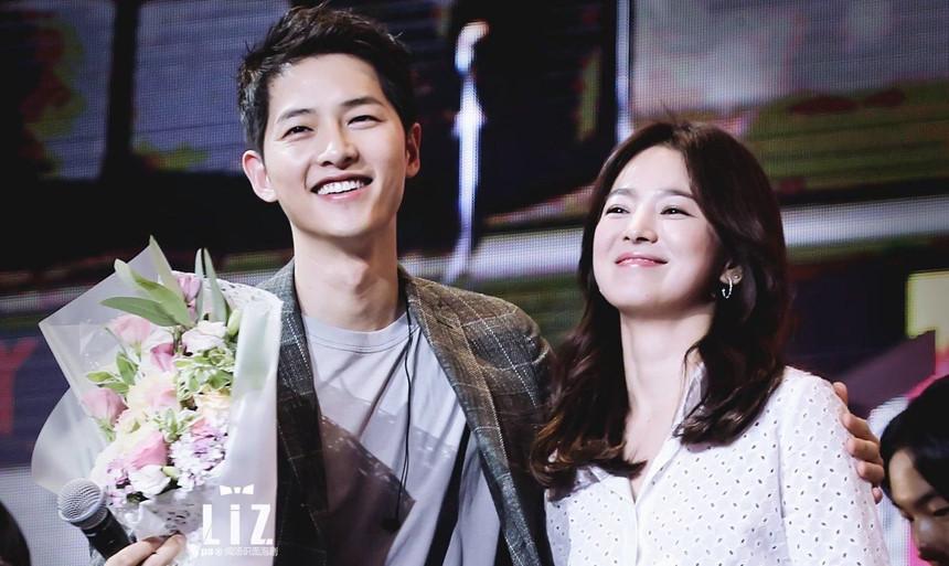 Dù ở ẩn sau ly hôn, Song Joong Ki vẫn bị 'bóc phốt' chuyện tình quá khứ  1