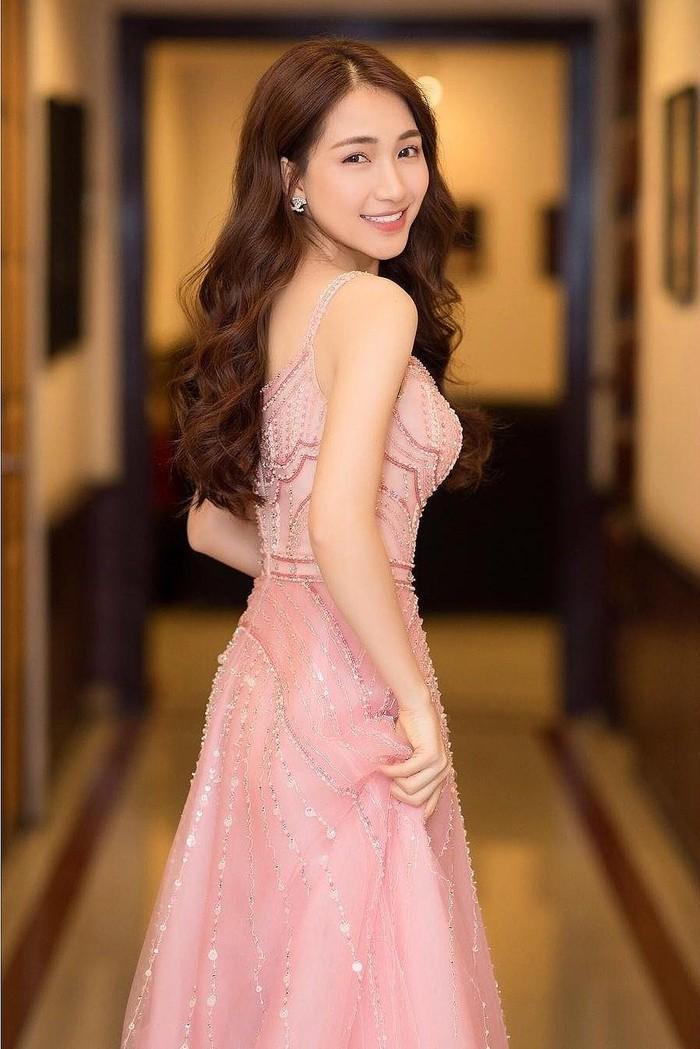 Hòa Minzy bất ngờ viết tâm thư tuyên bố tạm dừng ca hát khi đang ở đỉnh cao sự nghiệp 1