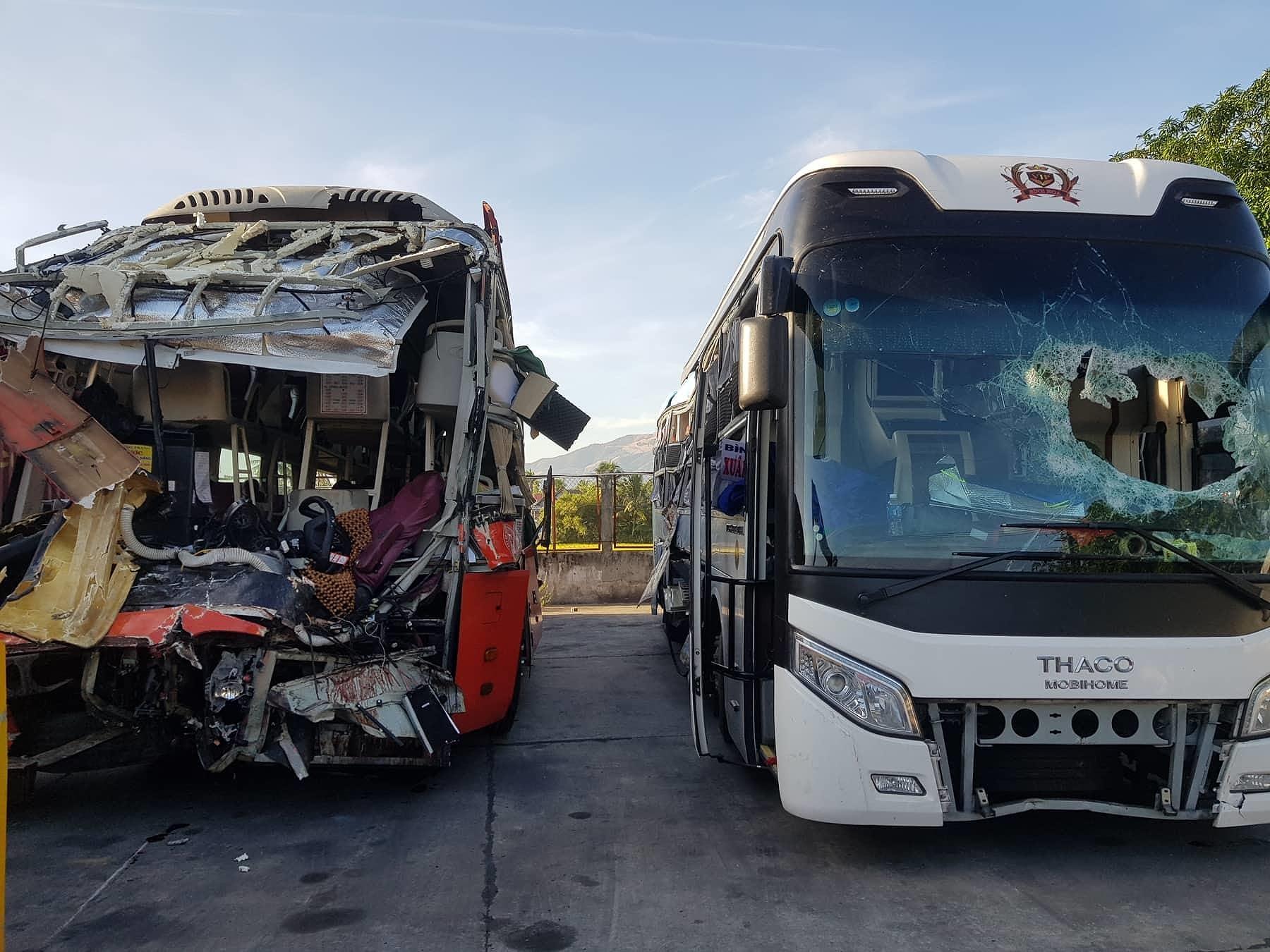 Diễn biến mới nhất vụ 2 xe khách tông nhau ở Khánh Hòa 1