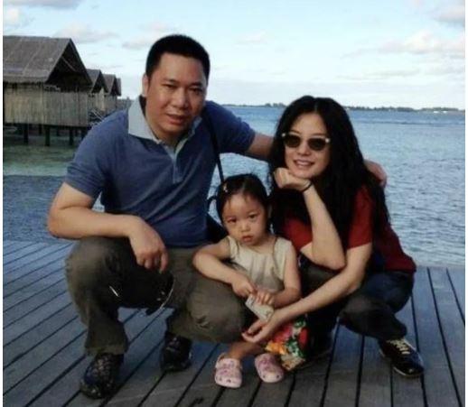 Triệu Vy bị đồn bí mật sinh con trai cách đây 4 năm sau ồn ào bị tố lừa đảo? 6