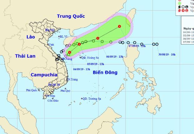 Áp thấp nhiệt đới cách đất liền các tỉnh Quảng Trị - Quảng Ngãi khoảng 200km 1