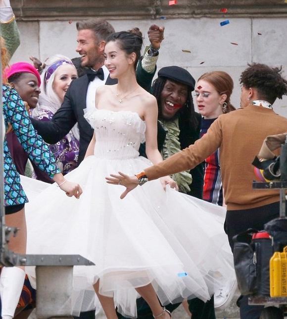 Angelababy gây sốc khi làm 'cô dâu' bên cạnh David Beckham giữa tin đồn hôn nhân rạn nứt 1
