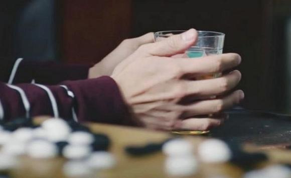 'Tình tin đồn' Song Hye Kyo gây bão với hình ảnh tương phản về khuôn mặt và bàn tay 4