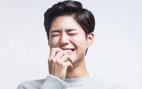 'Tình tin đồn' Song Hye Kyo gây bão với hình ảnh tương phản về khuôn mặt và bàn tay 3