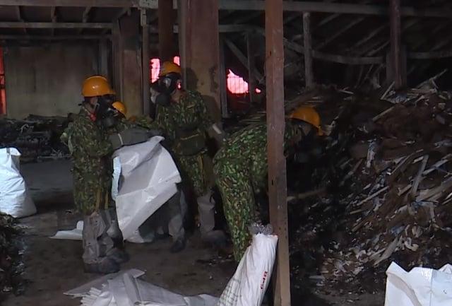 Vụ cháy Công ty Rạng Đông: Sẽ mở thêm đường để đưa phế thải ra ngoài 1
