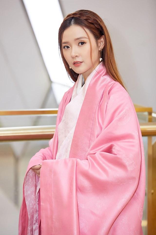 Trịnh Thăng Bình bối rối khi 'đính ước' cùng với Midu khiến fan sôi sục 2