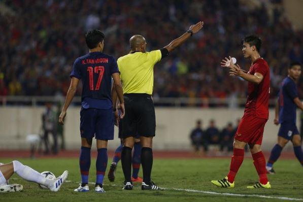 Trọng tài Ahmed Alkaf lên tiếng xin lỗi về quyết định trong trận đấu Việt Nam - Thái Lan? 1