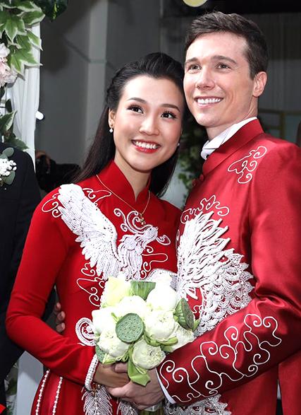 Tiết lộ thực đơn trong đám cưới của Hoàng Oanh 1