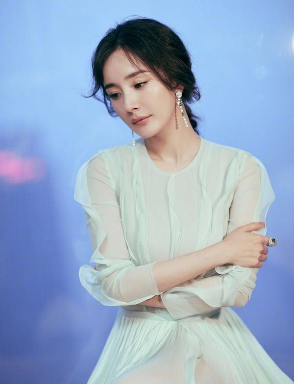Dương Mịch bất ngờ bị bạn thân tiết lộ về bí mật hôn nhân với Lưu Khải Uy 8