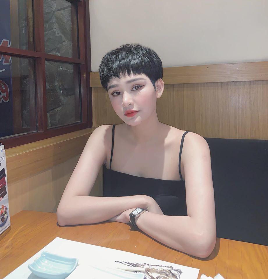 Hiền Hồ vừa khoe ảnh đi ăn, bạn thân của Trấn Thành bất ngờ vào 'đòi nợ' 2