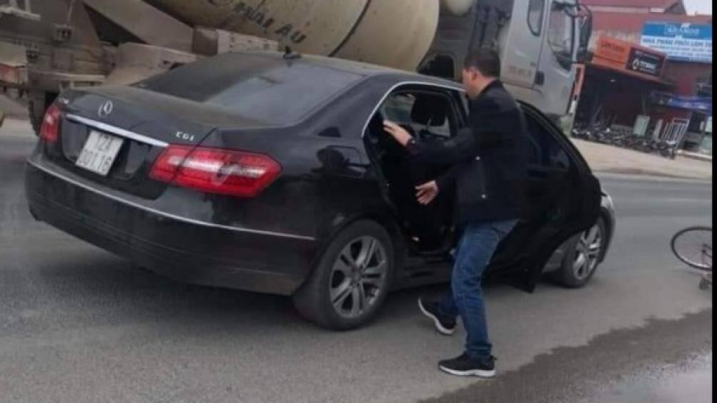 Nghi vấn cán bộ công an ở Lạng Sơn lái xe Mercedes tông chết người rồi rời đi 1