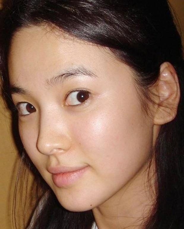 Lộ cận nhan sắc của Song Hye Kyo: Làn da gây choáng 3