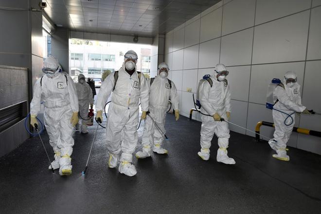 Hàn Quốc ghi nhận ca đầu tiên tử vong vì virus corona, số người nhiễm tăng đột biến 1