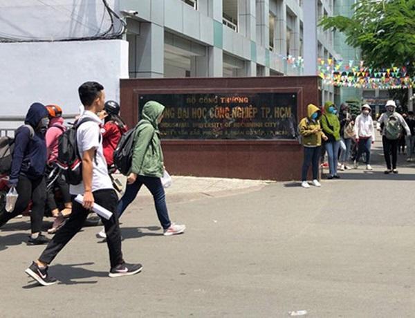 3 trường học tại TP.HCM tiếp tục cho nghỉ đến hết ngày 8/3  1