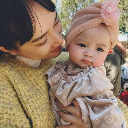 Lần hiếm hoi Nhã Phương lên tiếng nói về hình ảnh con gái lộ diện trên mạng xã hội 2
