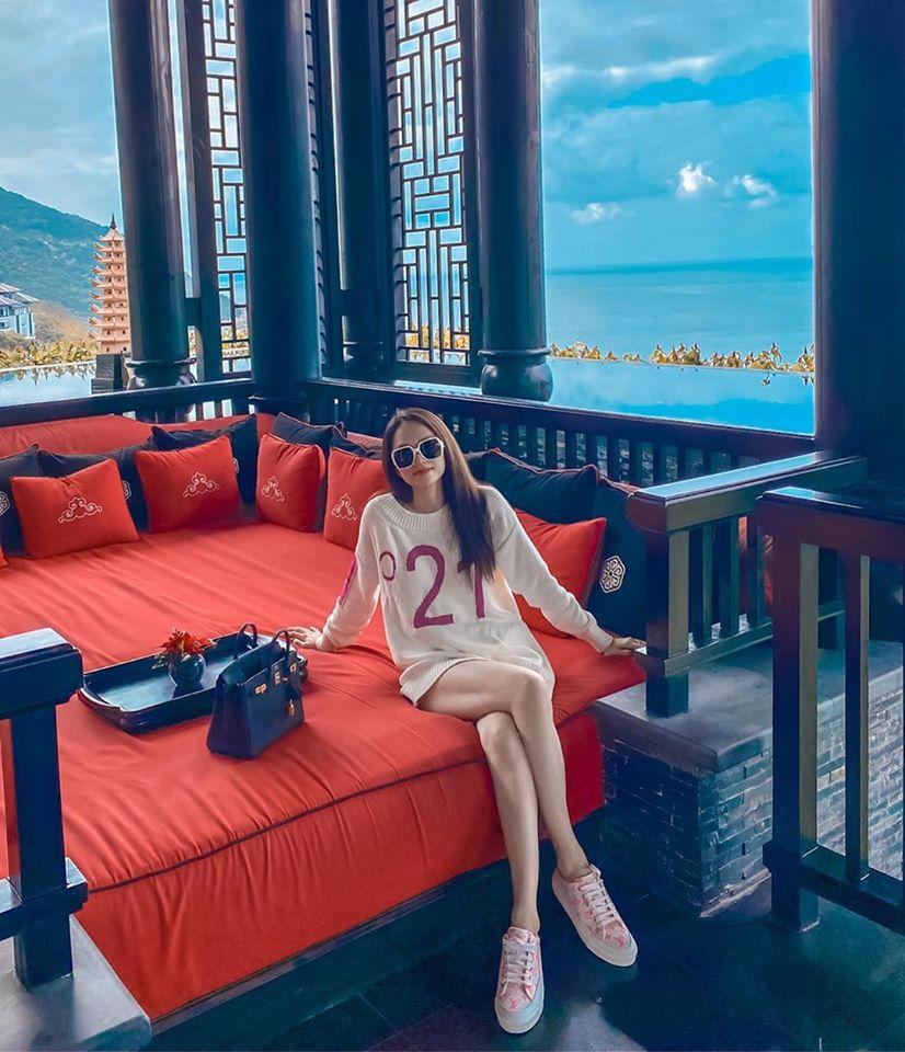 Hoa hậu chuyển giới Hương Giang bị soi đôi chân bất thường 6
