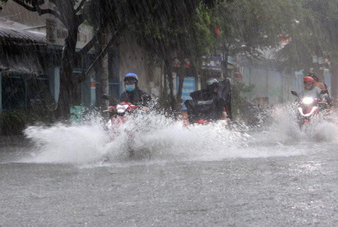 Tin tức thời sự 24h: Miền Bắc sắp hứng mưa lớn, Đề xuất dùng sổ hộ khẩu đến hết 2025 4