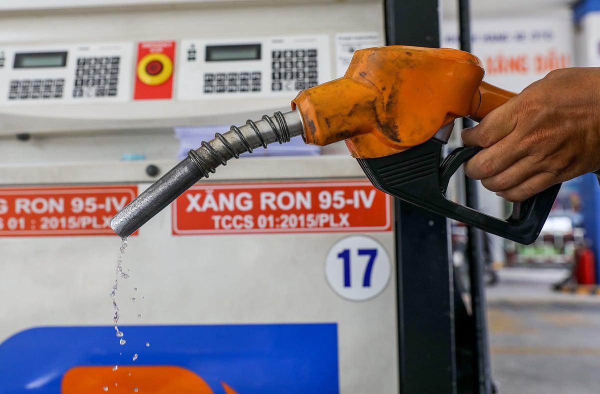 Tin tức giá xăng dầu hôm nay ngày 4/9: Lao dốc không phanh 2