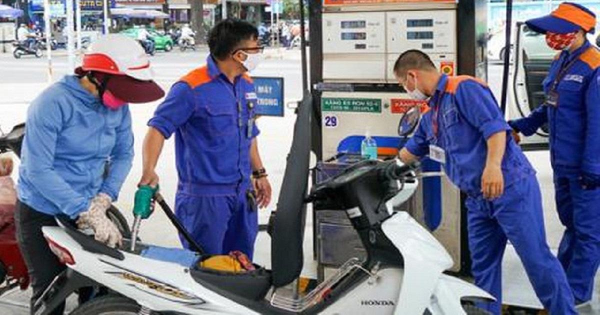 Tin tức giá xăng dầu mới nhất hôm nay ngày 29/10: Lao dốc thảm hại 2