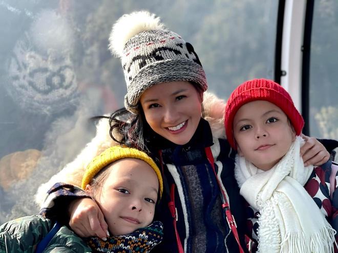 هونگ نونگ ارتباط واقعی بین فرزندان خود و دوست پسر خارجی را نشان می دهد 2