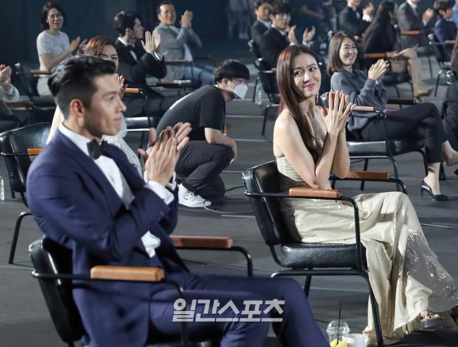 Lộ 'dấu vết' của Hyun Bin và Son Ye Jin ở cùng với nhau sau khi công khai hẹn hò 2