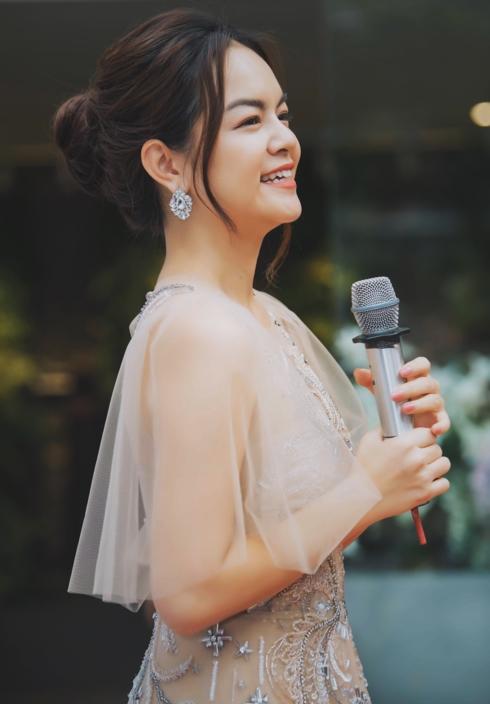 Phạm Quỳnh Anh khiến fan khóc nấc khi hát về hôn nhân tan vỡ 1