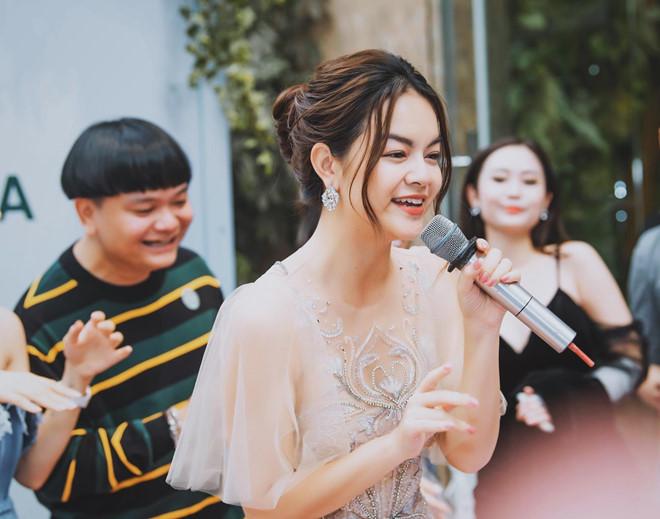 Phạm Quỳnh Anh khiến fan khóc nấc khi hát về hôn nhân tan vỡ 2