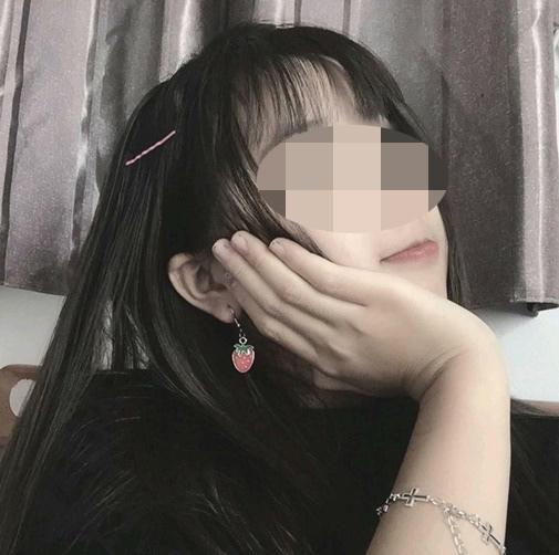 Hotgirl Tik Tok nổi nhất Quảng Ninh bị nghi lộ 'clip nóng' 1