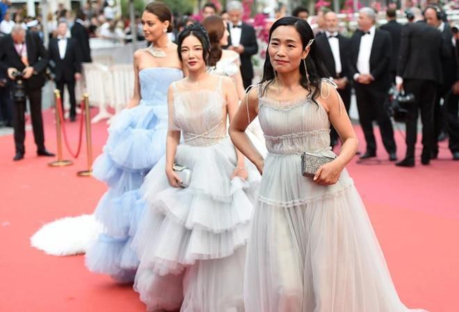 Lộ diện mỹ nhân chi hàng nghìn USD để mua vé dự thảm đỏ Cannes 2