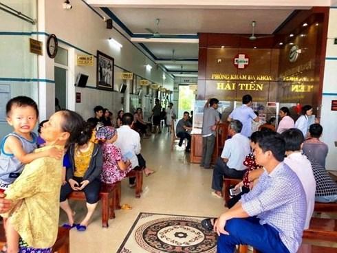 Hơn 50 du khách nhập viện sau khi ăn hải sản 1