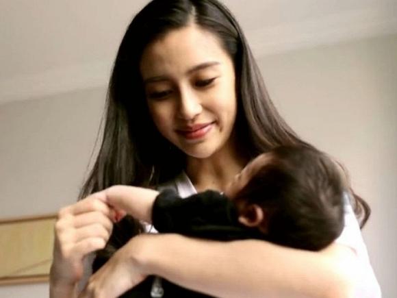 Angela Baby lần đầu trải lòng về việc sinh con 1