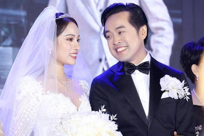 Động thái lạ của tình cũ khi Dương Khắc Linh thề thốt với Sara Lưu trong đám cưới 1