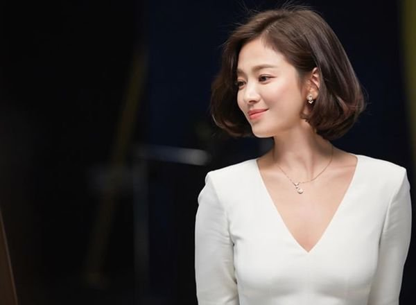 Song Hye Kyo xuất hiện xinh đẹp, thần thái  tựa 'nữ thần' trong bộ ảnh mới 3