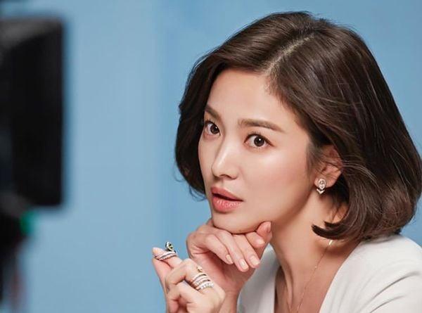 Song Hye Kyo xuất hiện xinh đẹp, thần thái  tựa 'nữ thần' trong bộ ảnh mới 6