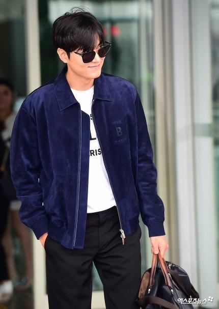 Lee Min Ho khiến dân tình náo loạn khi xuất hiện tại sân bay 1
