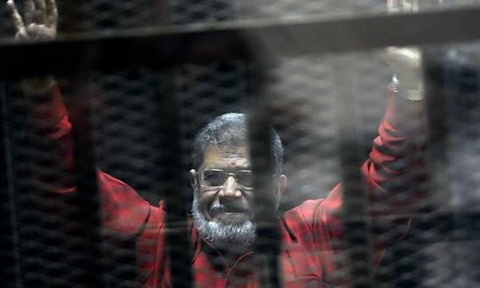Cựu Tổng thống Ai Cập bất ngờ tử vong tại tòa khi chưa kịp lãnh án 1