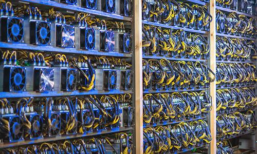 Bitcoin tăng liên tục, lên gần 13.000 USD 1