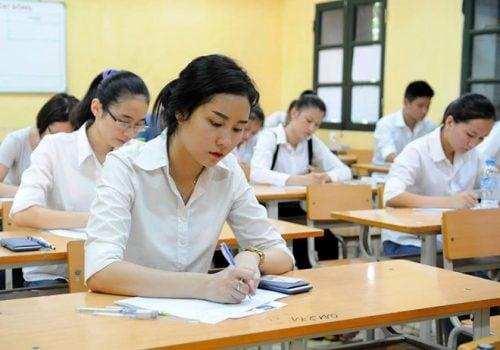 Thi THPT Quốc gia 2019: Thí sinh bước vào làm bài thi tổ hợp KHXH 1