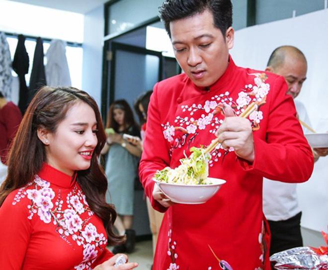 Khả năng bếp núc của Trường Giang khiến Nhã Phương 'mát mặt' 1