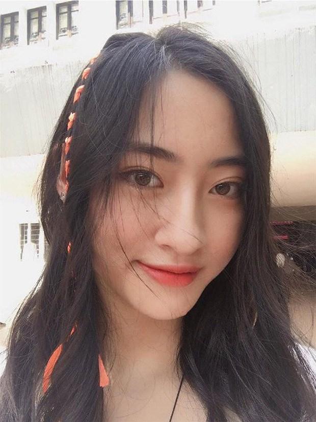 Lộ ảnh thủa bé 'gây bão' của tân hoa hậu Lương Thùy Linh 7
