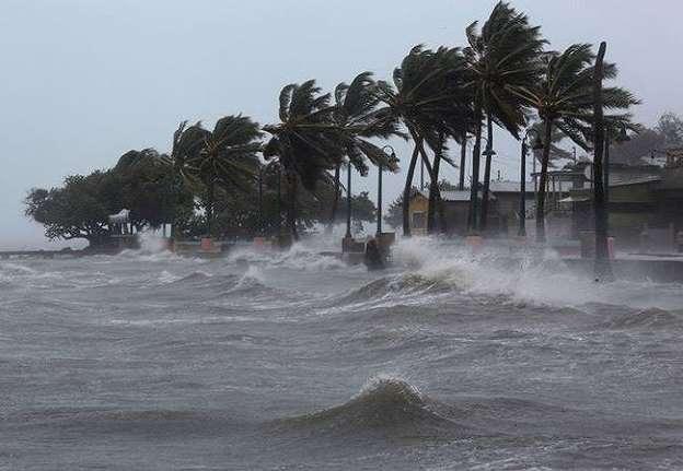 Áp thấp mạnh lên thành áp thấp nhiệt đới trên biển Đông 1