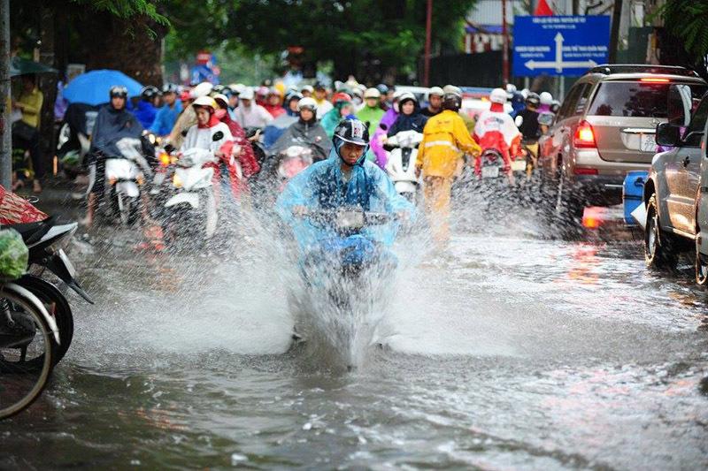 Dự báo thời tiết mới nhất hôm nay 30/8: Bão số 4 suy yếu, Bắc Bộ mưa lớn 1