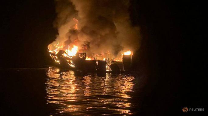 Kết quả hình ảnh cho Không có kết án nào ở California về vụ cháy nhà kho 'Tàu ma'