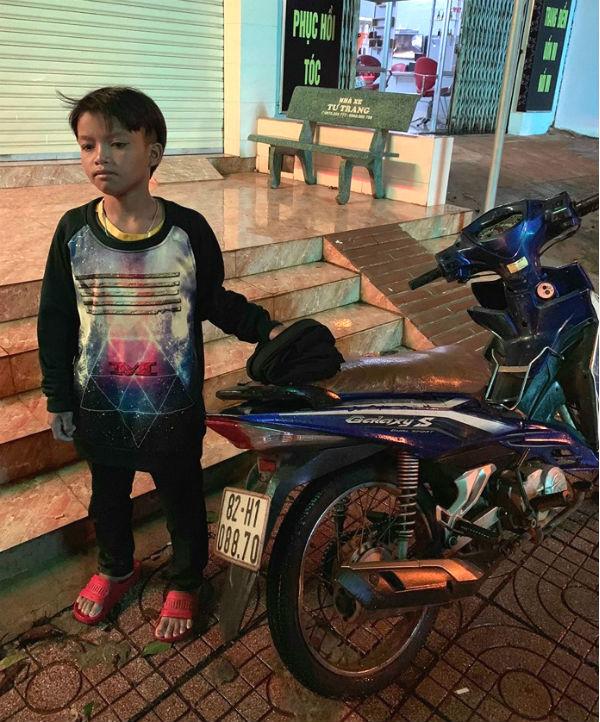 Bé trai 13 tuổi chạy xe 300km xuyên từ Kon Tum sang Đắk Lắk 1